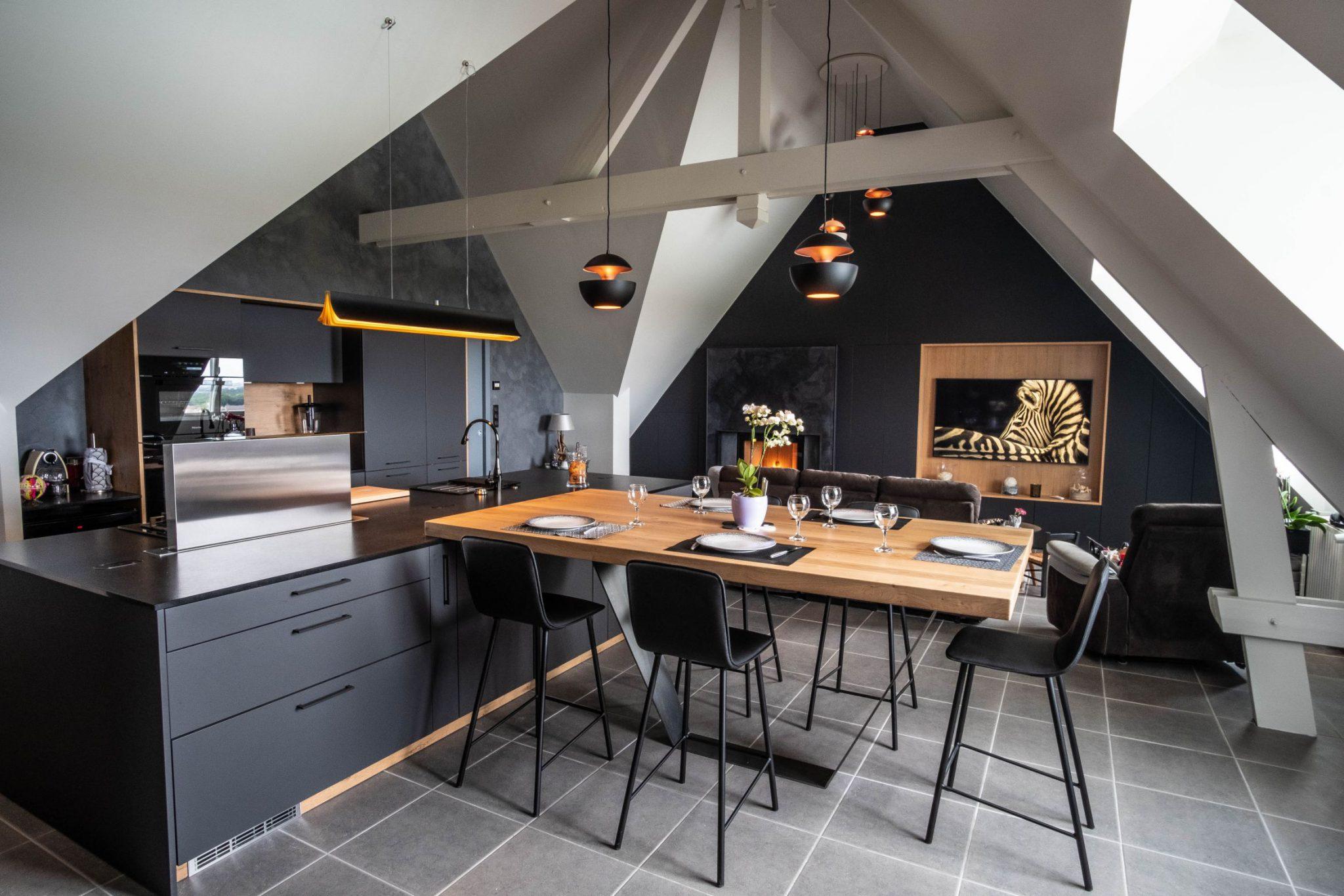 Cuisine noir et bois aux alentours de Caen