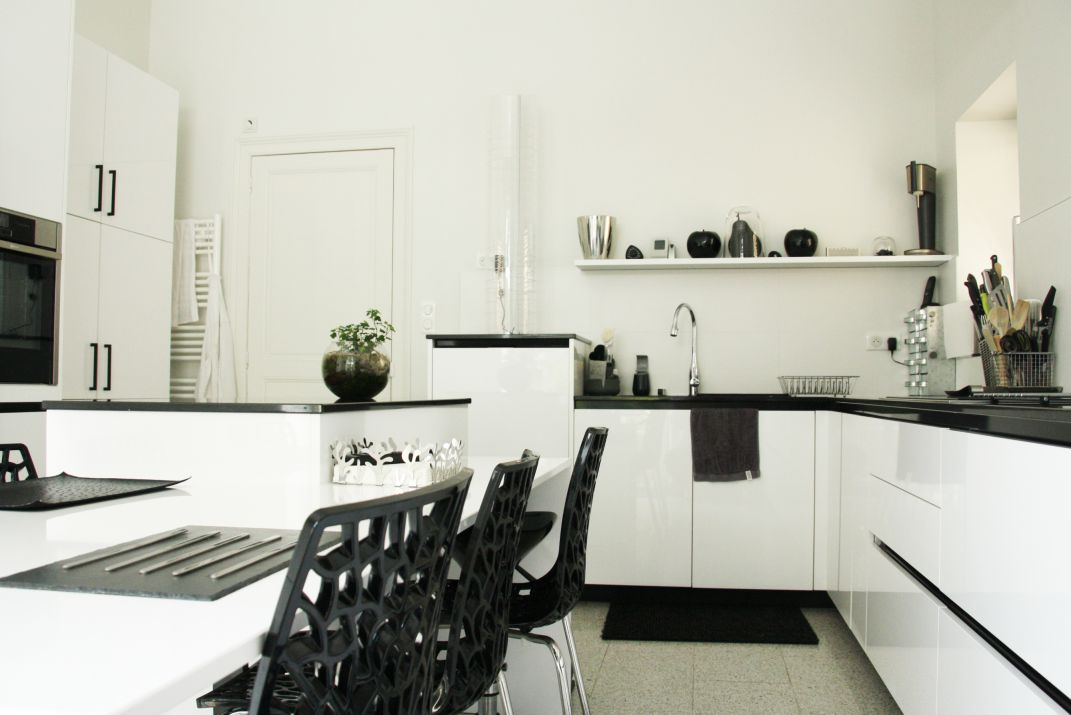 cuisine - noir - blanc - contemporain - modrne