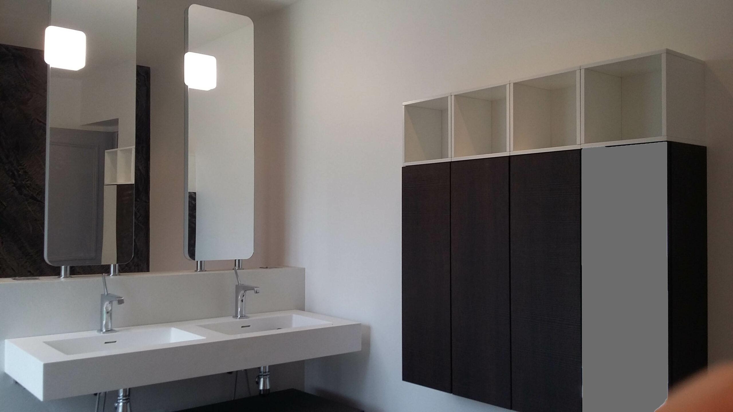 Double vasque et double miroir