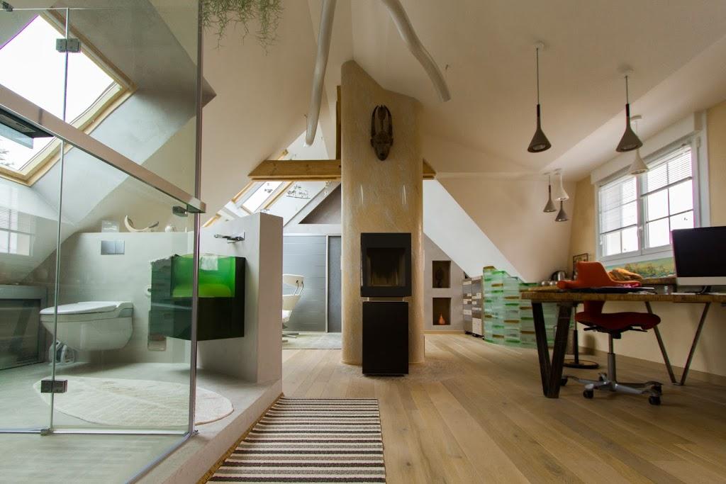 suite-parentale-amenagement-combles-cheminée-salle-de-bain-bureau-espace-ouvert-atypique-contemporain